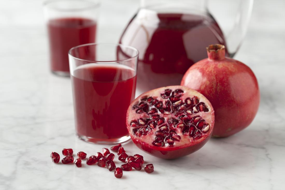 أشهر وصفات الرمان هي عصير الرمان المركز