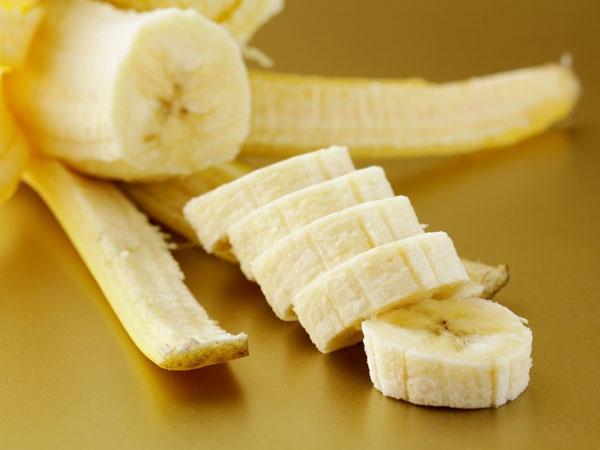 علاج التسمم الغذائي في المنزل : ثمار الموز