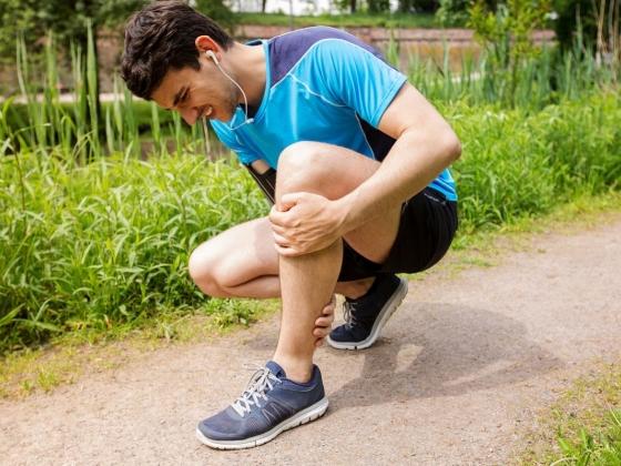 علاج تشنجات العضلات و 9 أسباب تحدث التشنجات