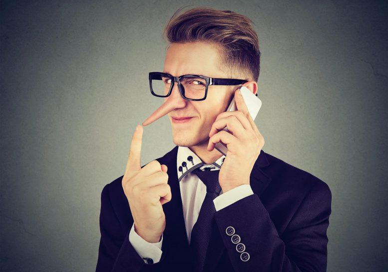 حقائق مثيرة عن الكذب :  عند التواصل البصري تقل القدرة على الكذب