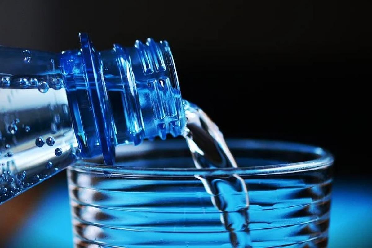 شرب الكثير من الماء لبشرة صحية