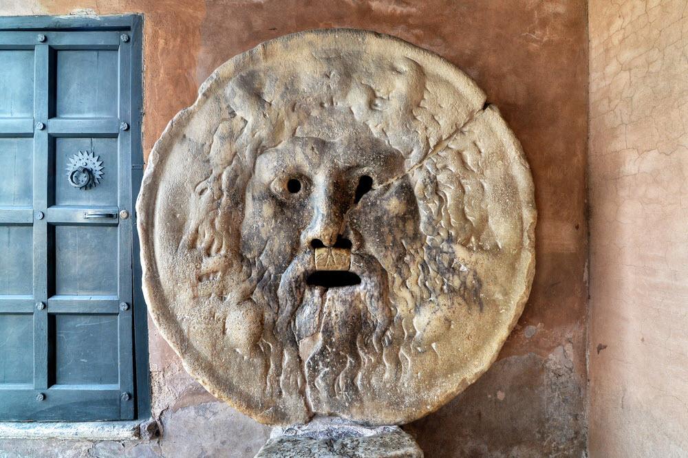 أفضل الأماكن السياحية في روما : فم الحقيقة
