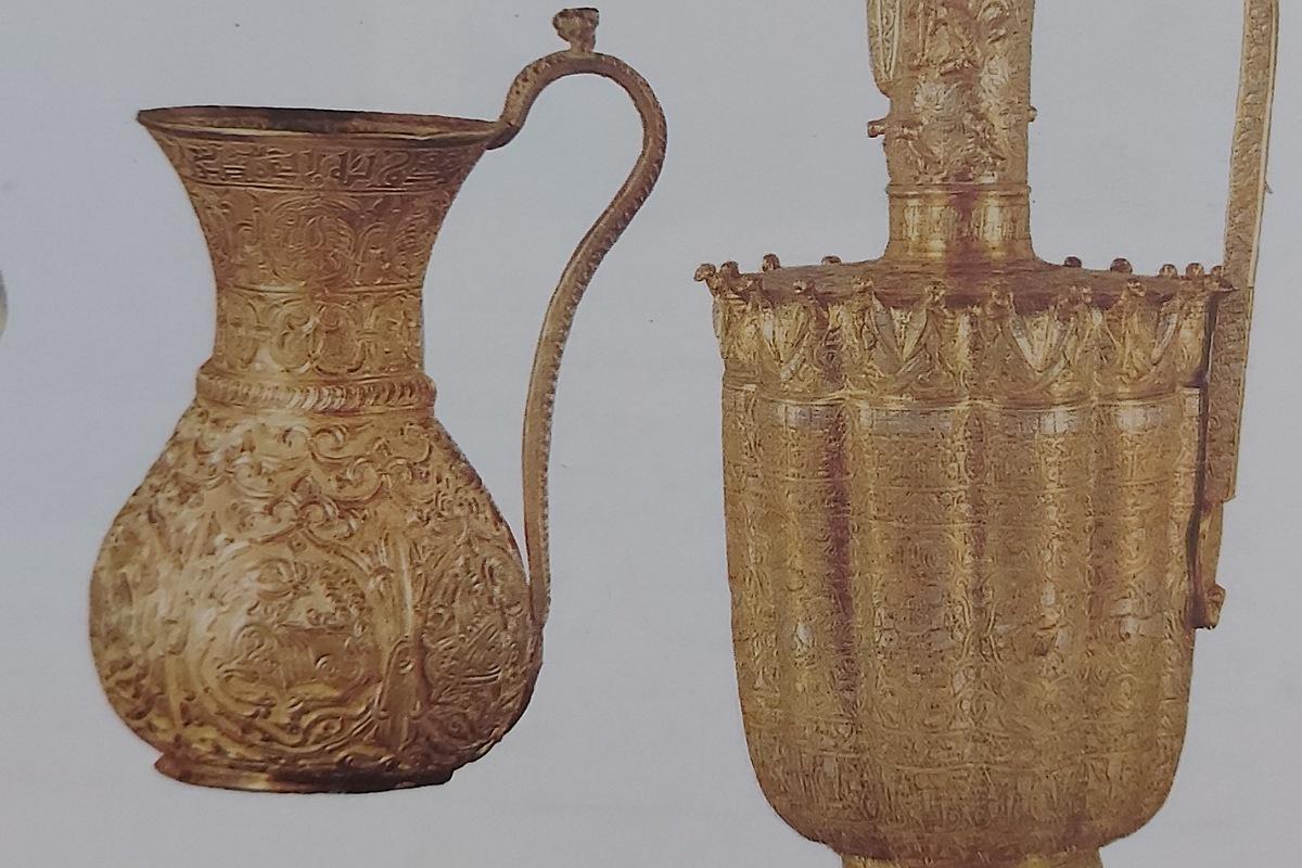 الأواني العباسية من الذهب و البرونز القرن ١٢