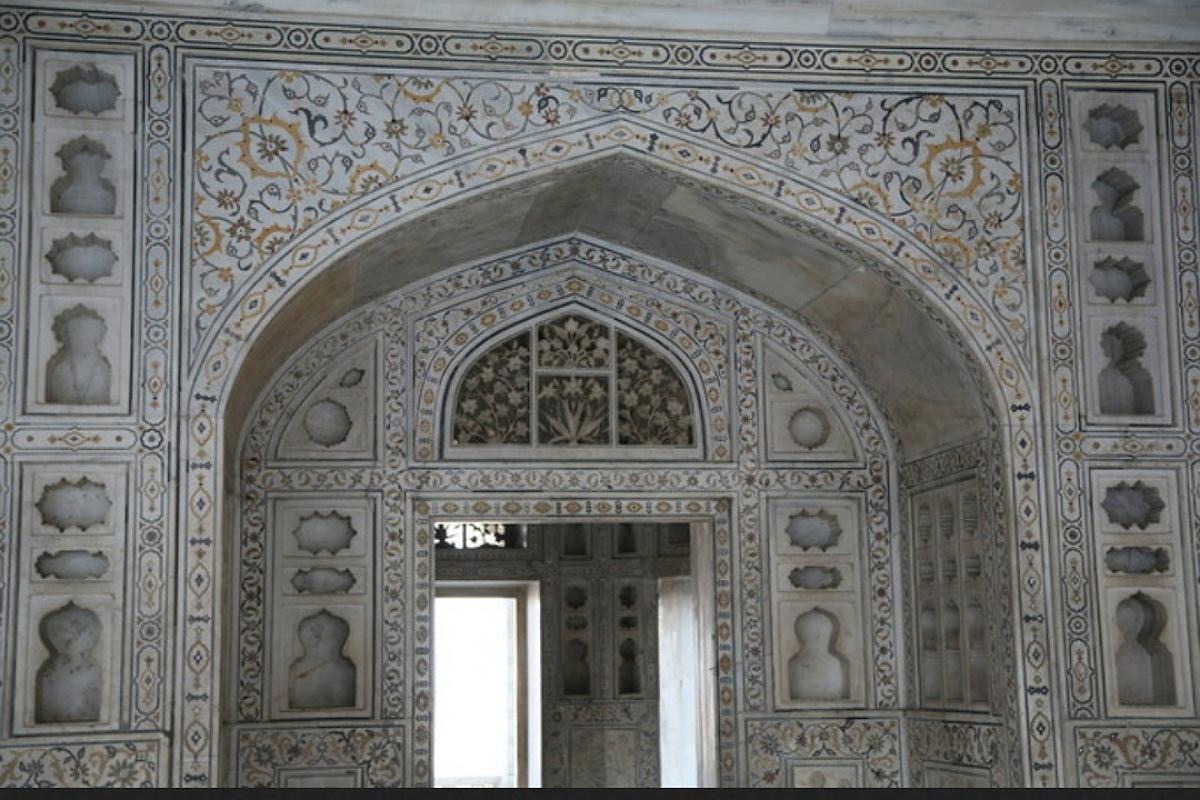 فنون الحضارة الإسلامية الأرابسك