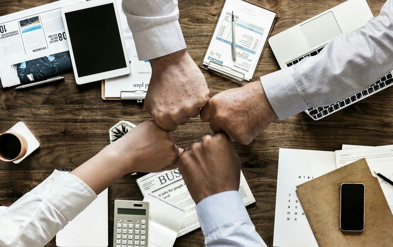 كيف تصبح رائد أعمال ناجح : قابل رواد الأعمال الآخرين