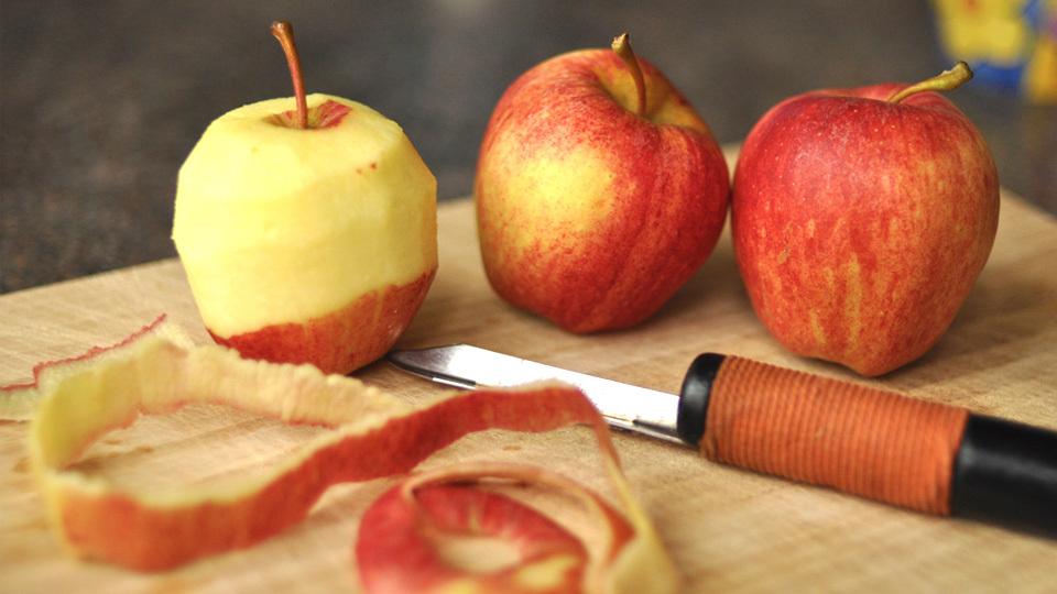 إعادة استخدام قشور الفواكه و الخضروات : قشر التفاح