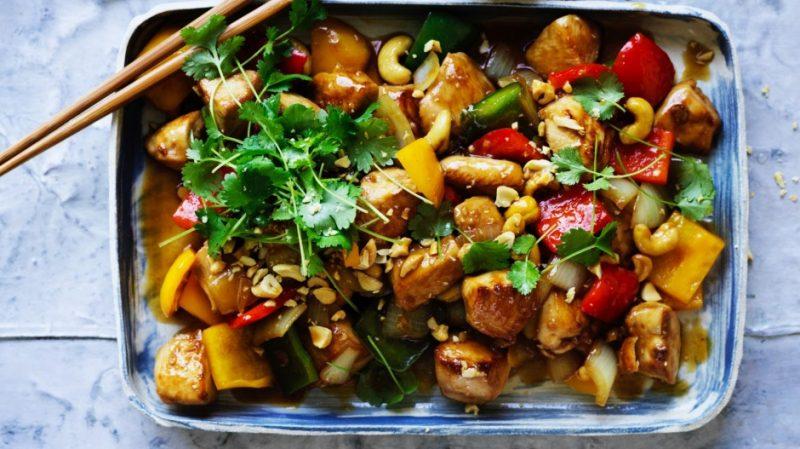 قطع الدجاج مع الخضروات الاسيوية