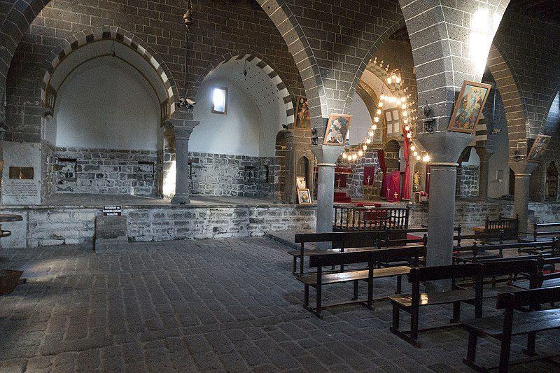 كنيسة السيدة العذراء الآشورية الأرثوذكسية