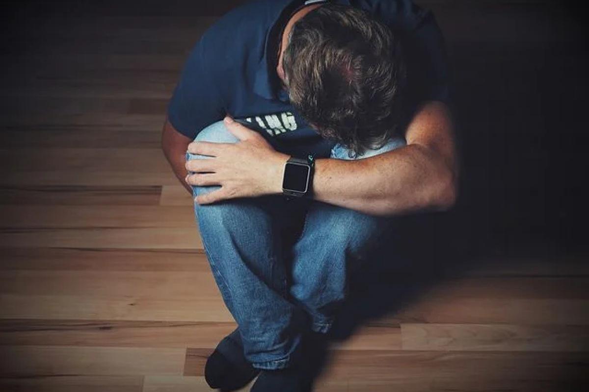 الأعراض العصبية للكورونا  : قد تشعر بالاكتئاب و الاضطراب