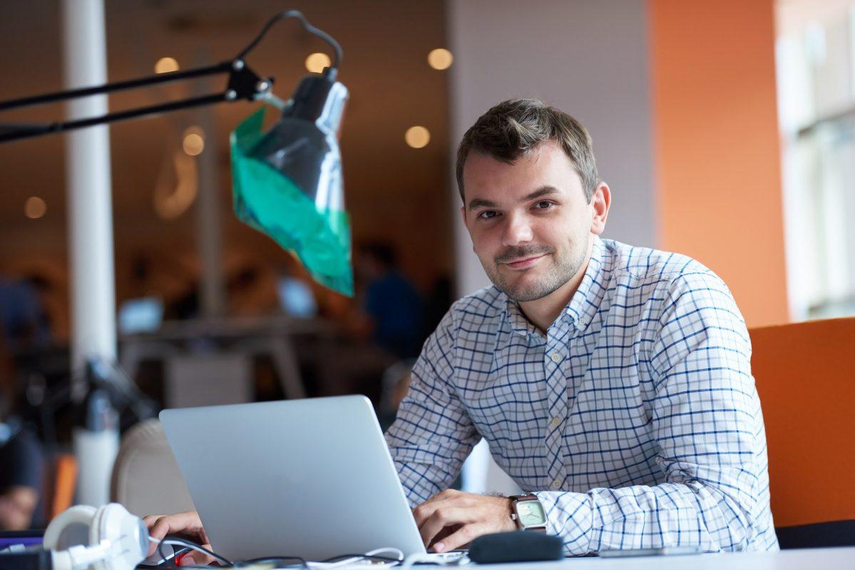 كيف تصبح رائد أعمال ناجح : كن متدربًا