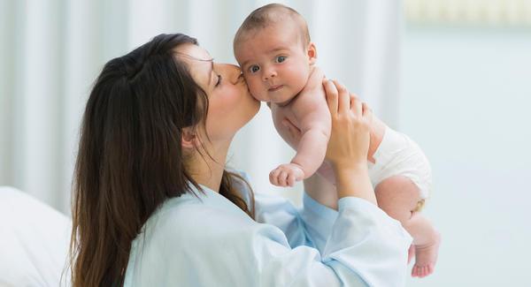كيف تعتنى بطفلك فى الشهور الاولى