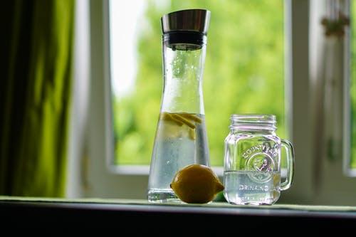 كيف نصنع مشروبات الديتوكس في المنزل ؟