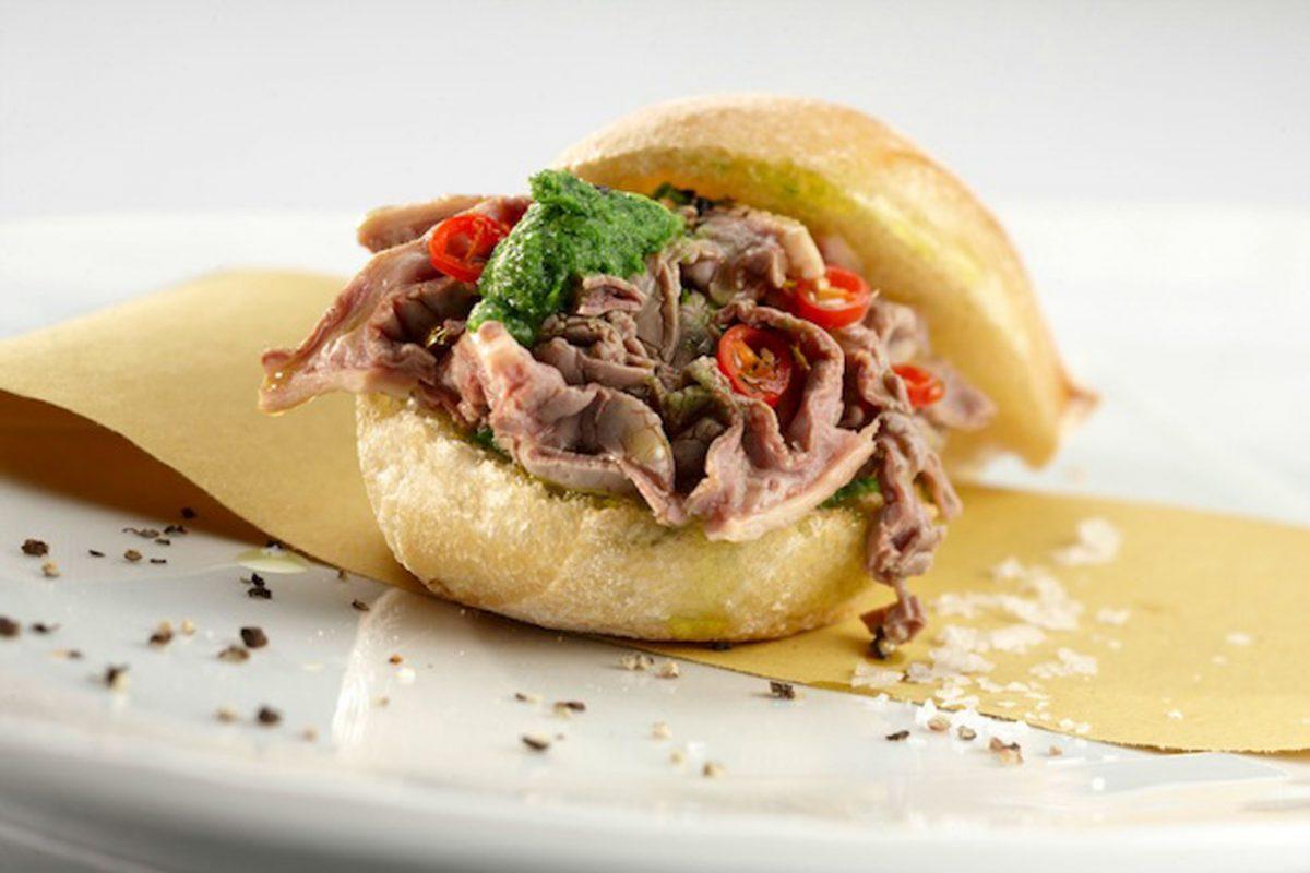 لامبري دويتو يعد من أشهر الأطعمة الإيطالية