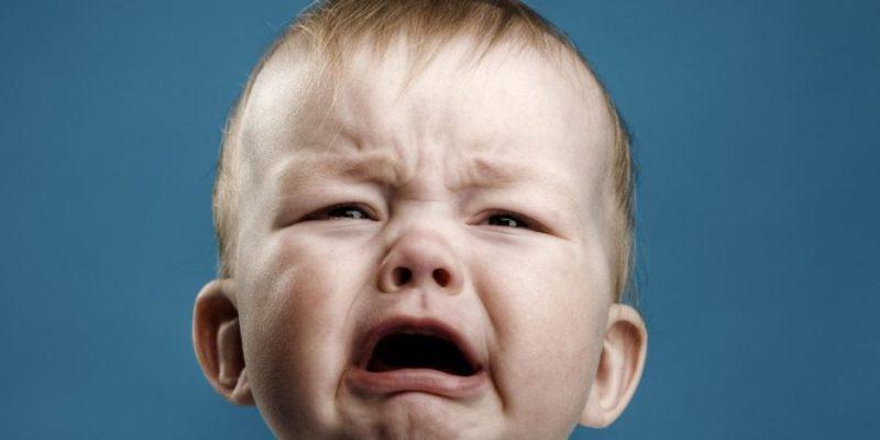لماذا يبكى الأطفال