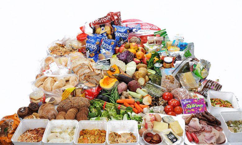 ما هي أهم المواد الغذائية التي لابد من تواجدها بمطبخك؟