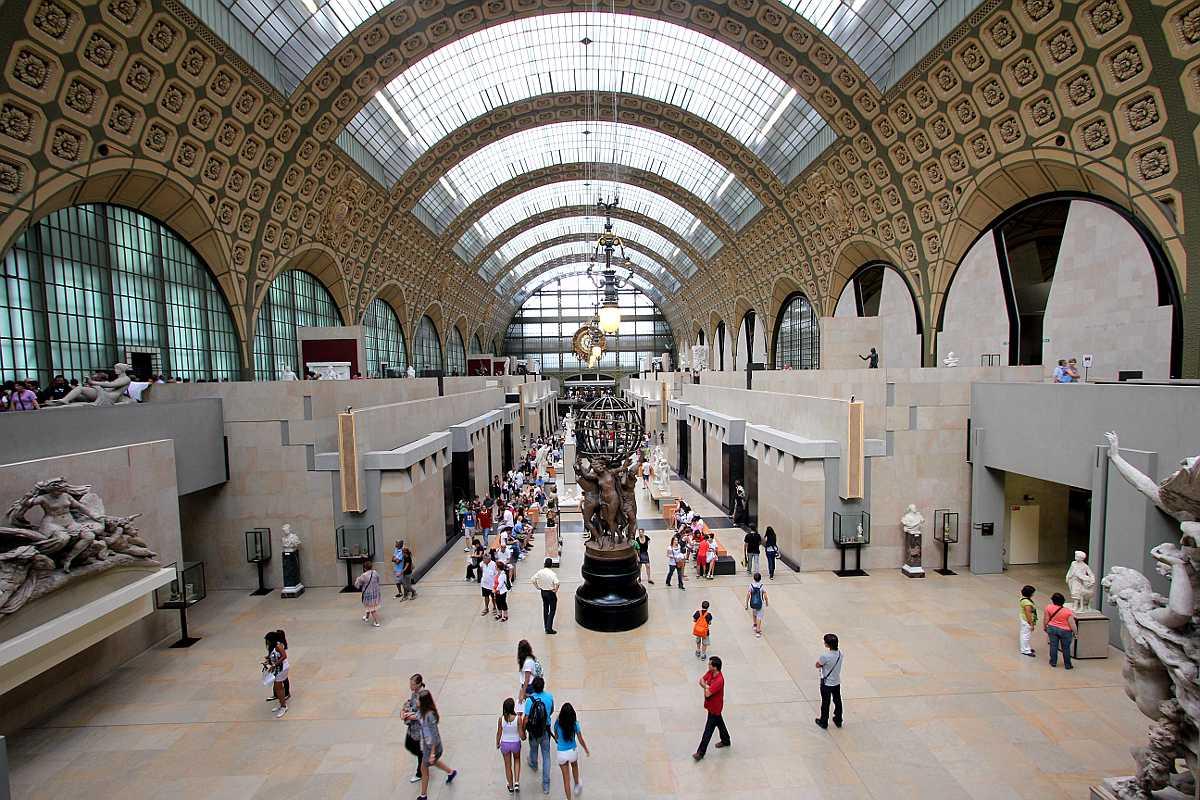 متحف أورساي من الأماكن السياحية في باريس فرنسا