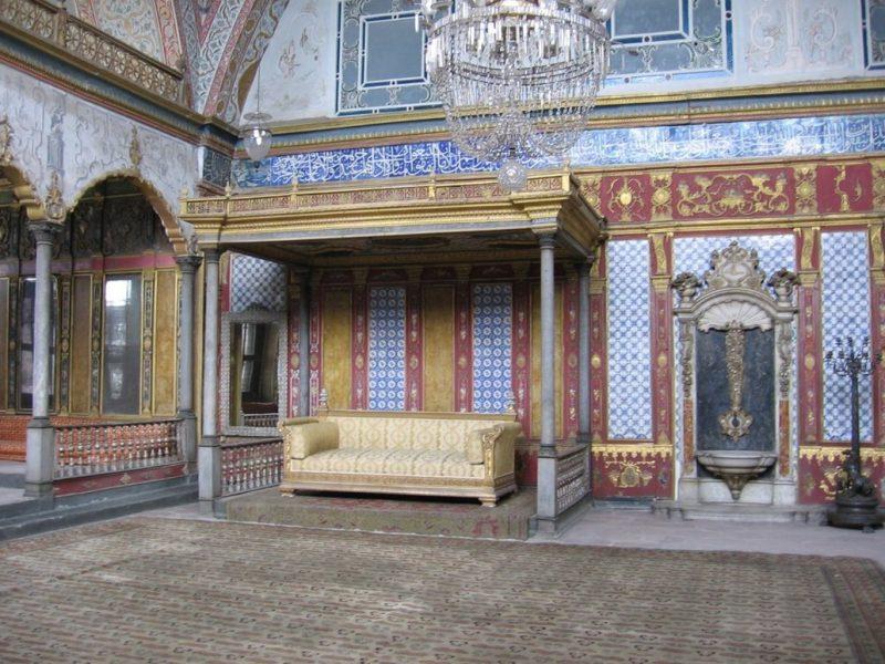 متحف طوب كابي بأسطنبول من أفضل المناطق السياحية في اسطنبول
