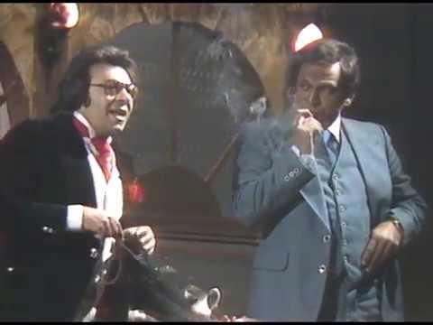 مسرحية الدنيا لما تضحك من أشهر الأعمال المسرحية التي تكرر تقديمها