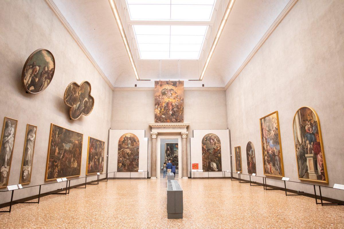 معارض الأكاديمية من أشهر الأماكن في البندقية إيطاليا