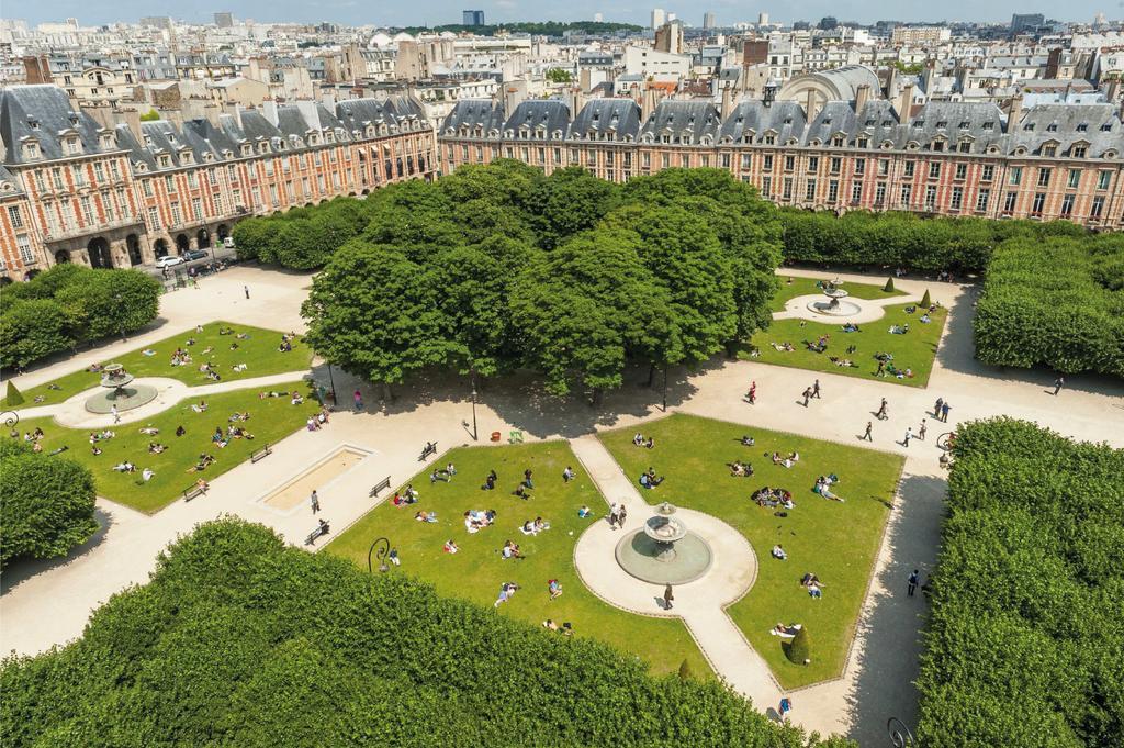 قصر الفوج من أشهر الأماكن السياحية في باريس فرنسا