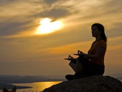 ممارسة التأمل من الرياضات المفيدة للسلام النفسي