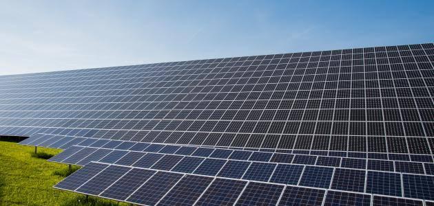 استخدامات الكلور :  يستخدم فى الطاقة الشمسية و البيئة