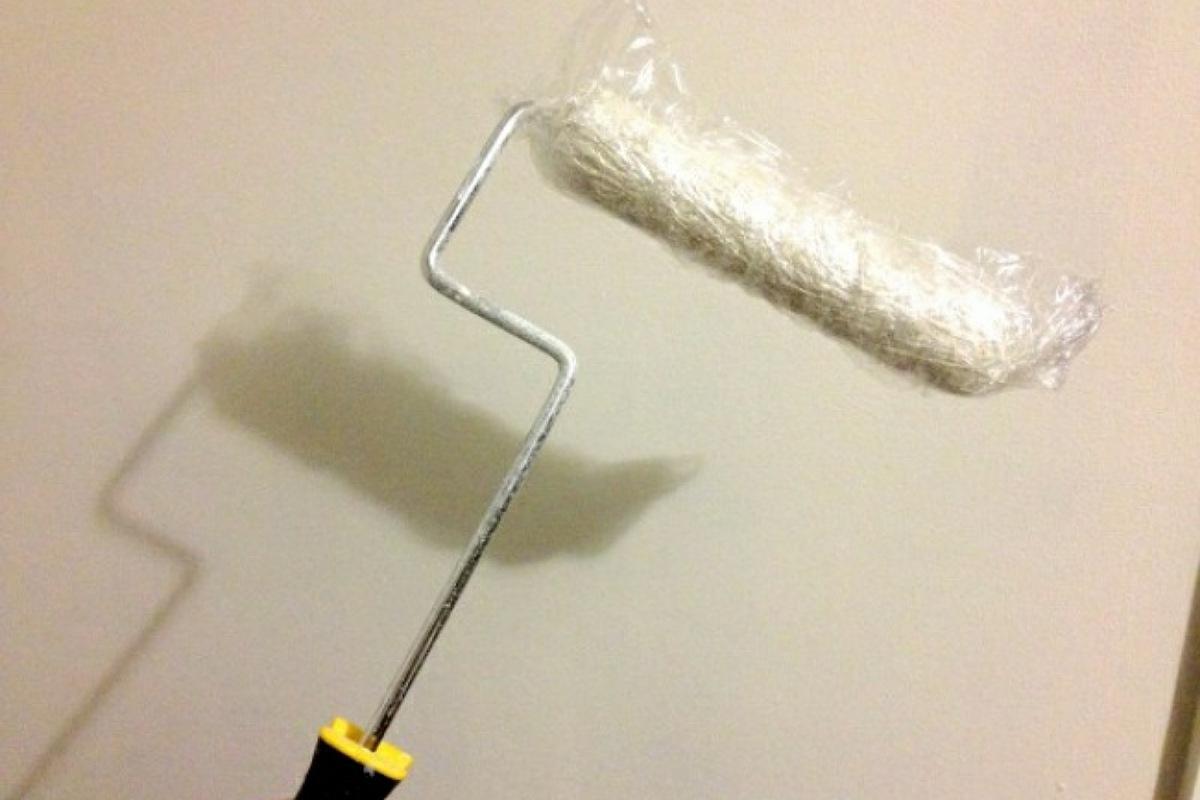الحفاظ على فرشاة طلاء الحائط من الجفاف