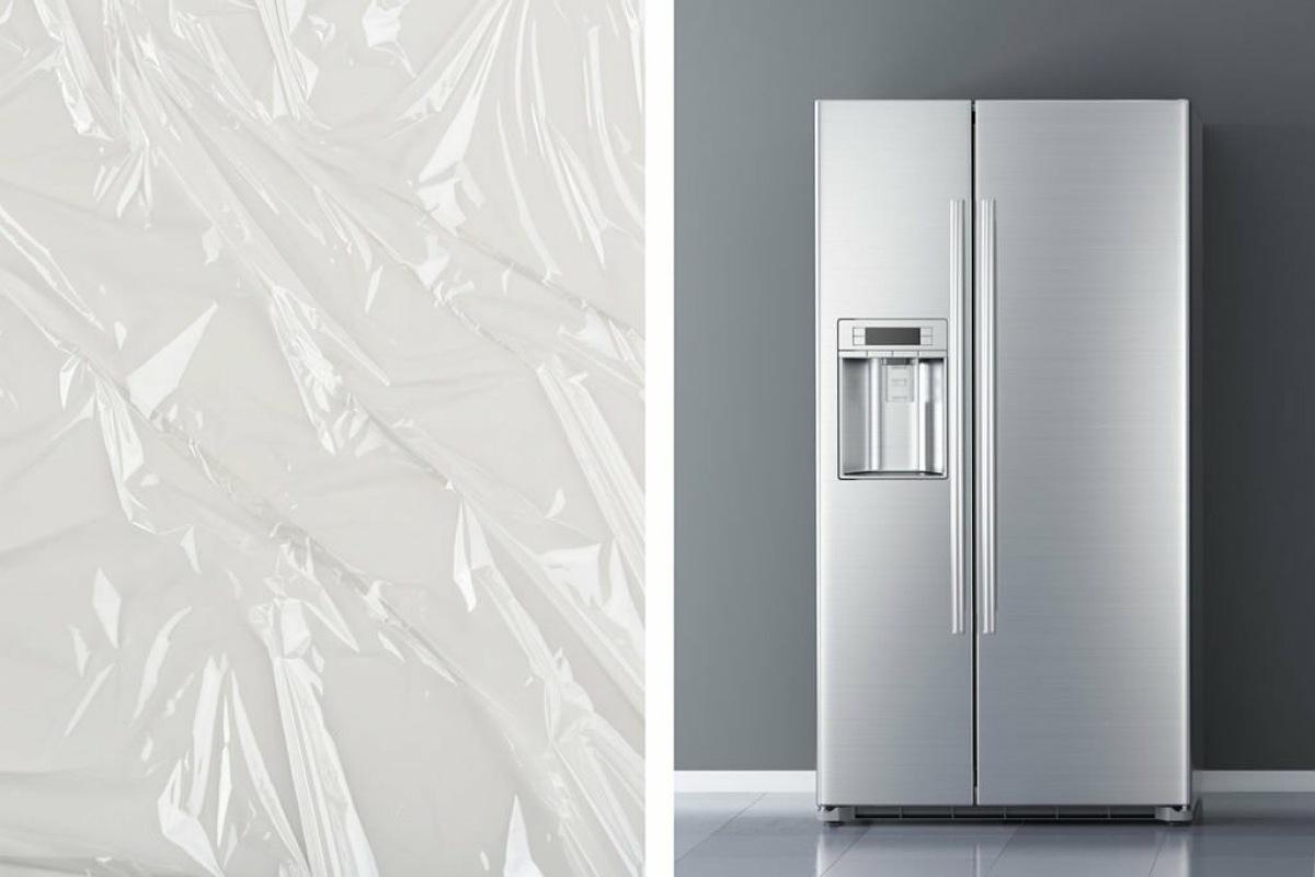 استخدام غلاف الطعام البلاستيكي للحفاظ على نظافة الثلاجة إلى الأبد