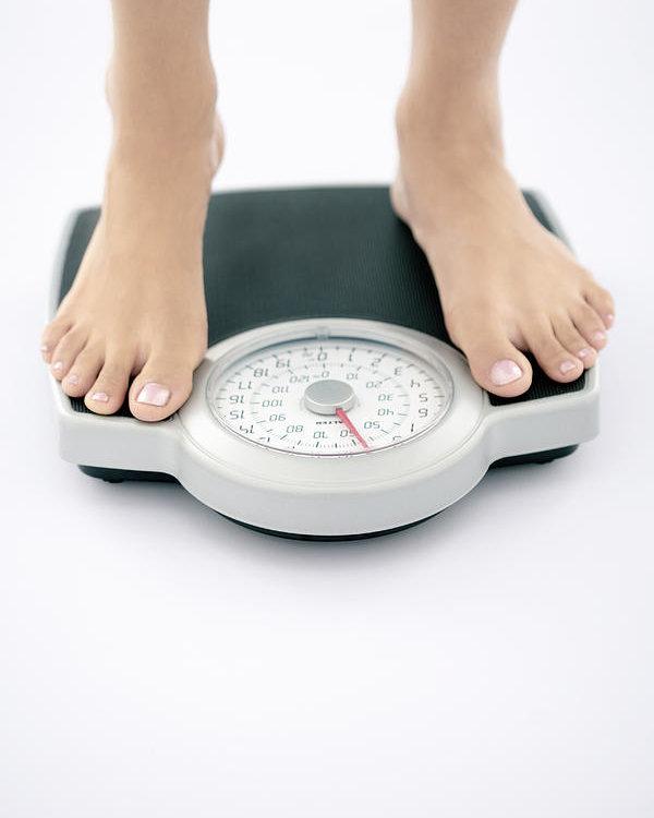 تتبع زيادة وزنك عندما تبدأ بتناول أطعمة جديدة