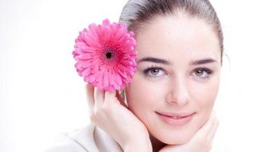 16 نصيحة عملية للحصول على بشرة صحية أكثر جمالاً وجاذبية