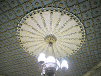 200px-Ceiling-moulding-9945
