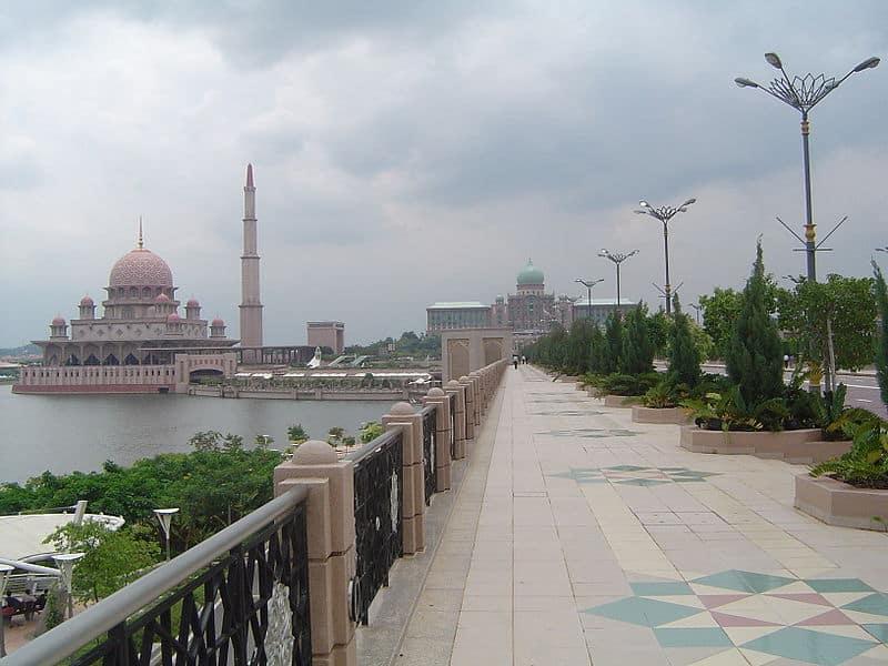 800px-View_on_Perdana_Putra