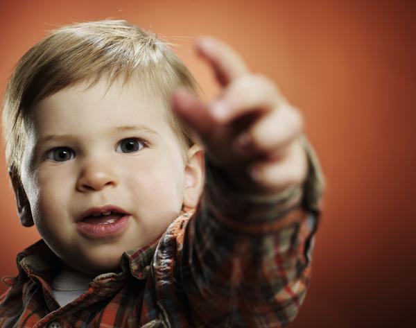 لغه الإشارة لدى الأطفال