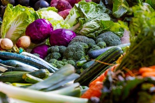 أطعمة لتقوية المناعة ضد كورونا : البروكلى الخضروات الورقية