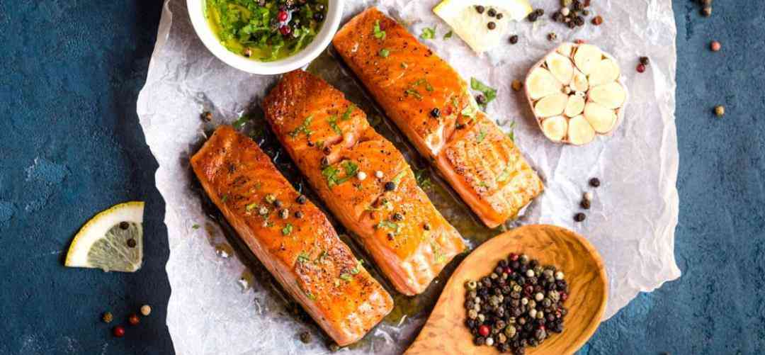 ادمج الجوز والسمك الدهني في طعامك اليومي في حمية الكيتو