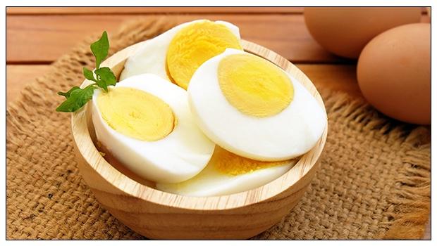 يحتوي البيض علي اليود بكثرة