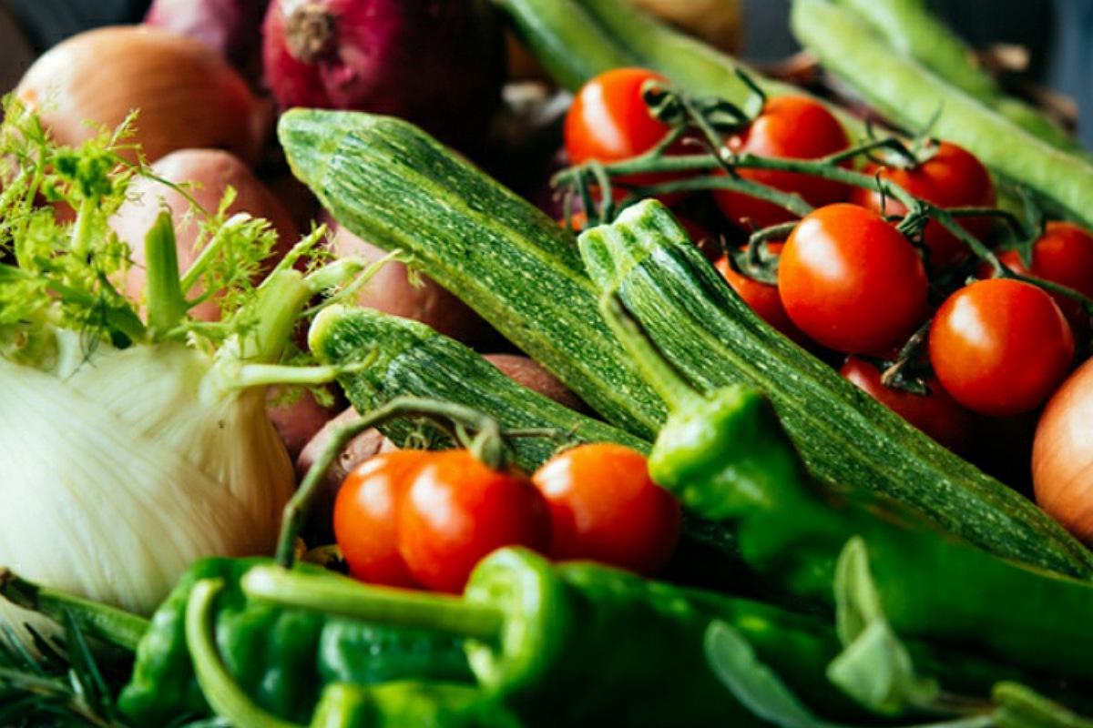 شراء الفواكه و الخضروات الطازجة