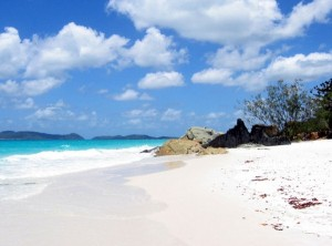 Whitehaven-Beach-Whitsunday-Island-Australia31-728x540_thumb[2]