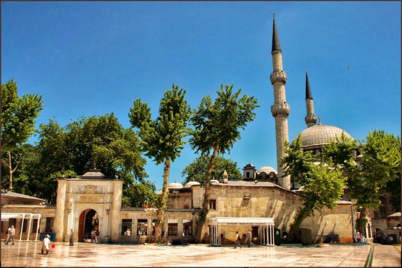 مسجد السلطان ايوب من أفضل المناطق السياحية في اسطنبول