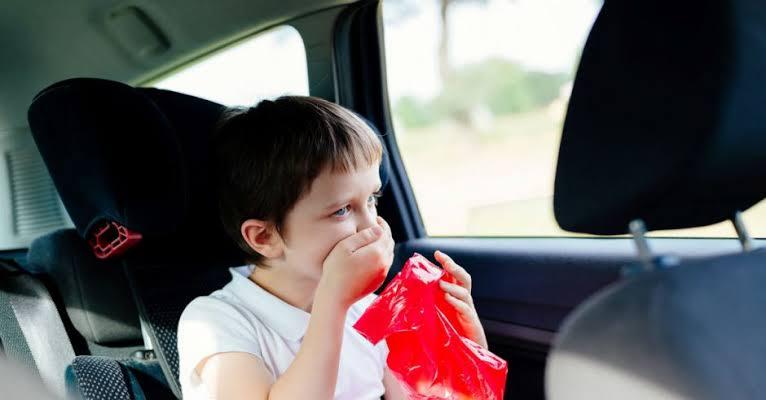 الأسعافات الأولية في حالة القئ عند الأطفال