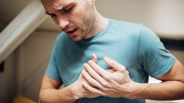 يخفف الثوم من ألم الصدر (الذبحة)