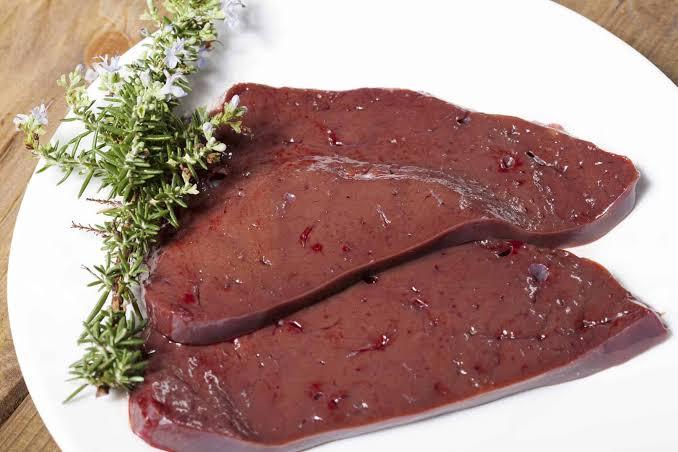 الكبد من الأطعمة المحتوية علي فيتامين B3