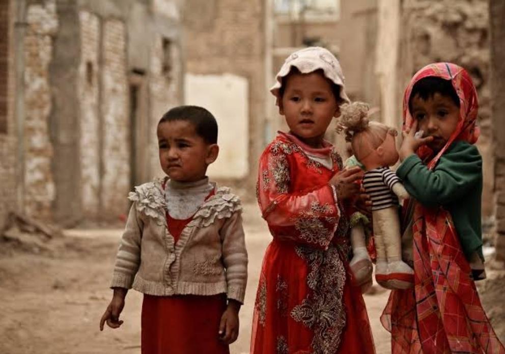 الفصل القسري الذي تم أتباعه مع أطفال الأويغور