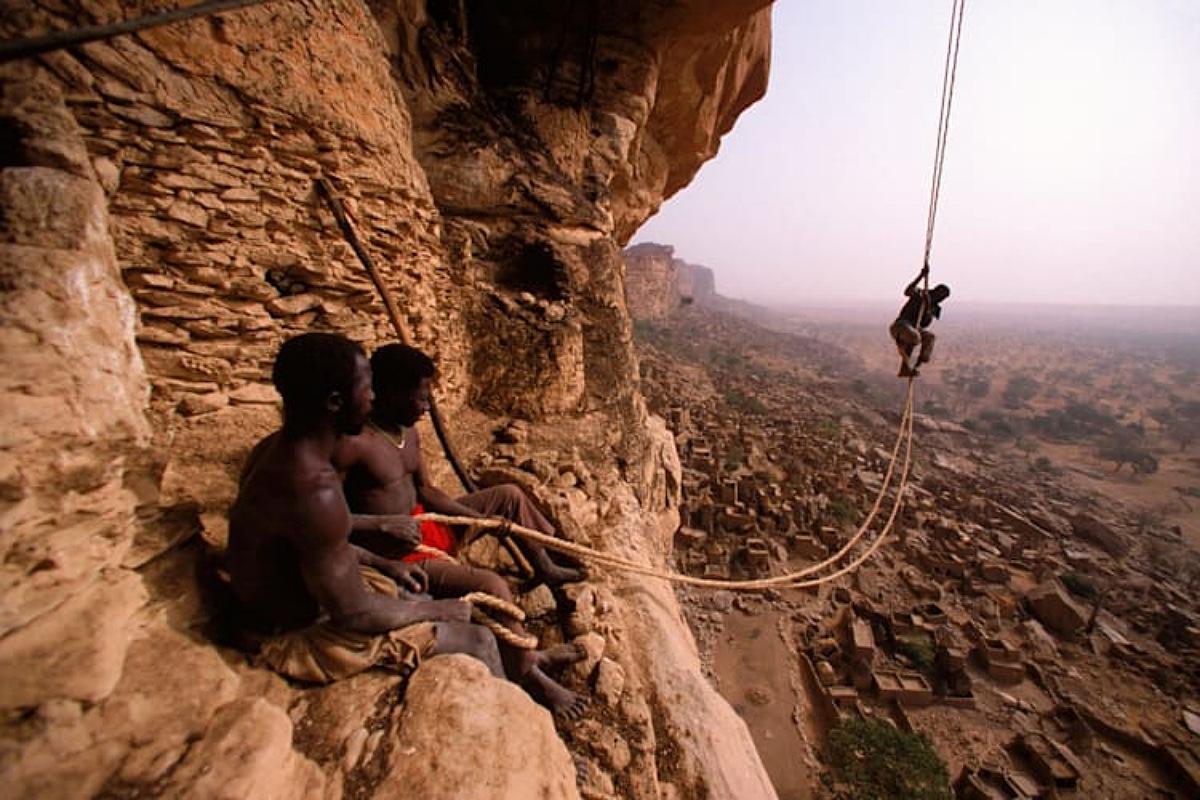 """قبائل """"دوجون"""" أحدي القبائل النائية في غرب أفريقيا"""