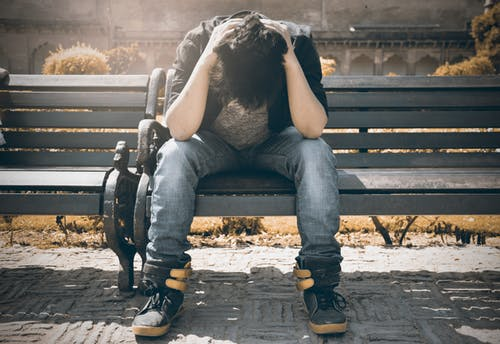 طرق دعم ضحايا التحرش : سيطر على غضبك