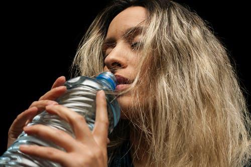 الأضرار الصحية إستخدام الزجاجات البلاستيكية