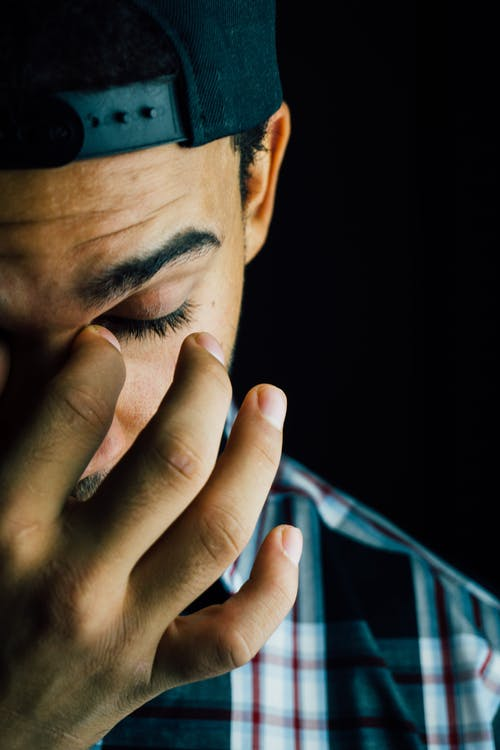 """أصل عبارة """" الرجل لا يبكى """""""