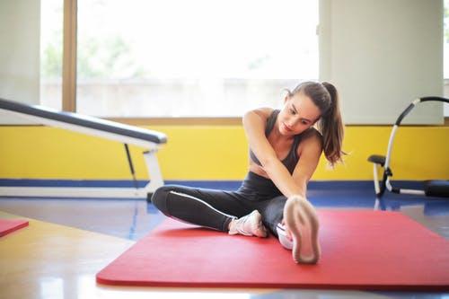 طرق التخلص من نوبات القلق : ممارسة تمارين الإسترخاء