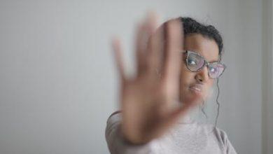 Photo of 7 طرق تساعدك في دعم ضحايا التحرش