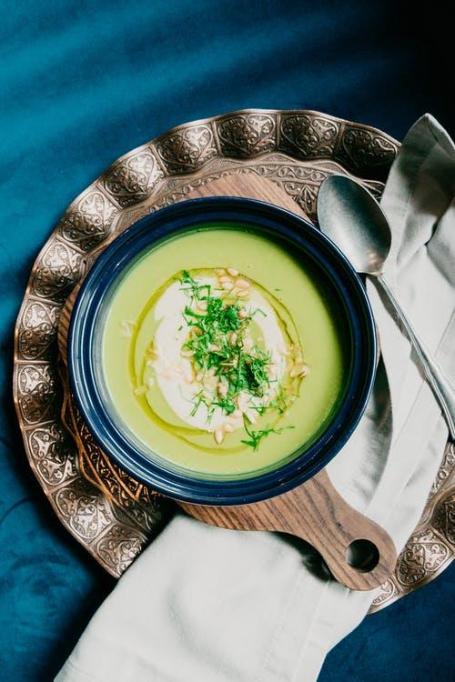 أشهر الأكلات الشعبية في العالم : حساء البصل